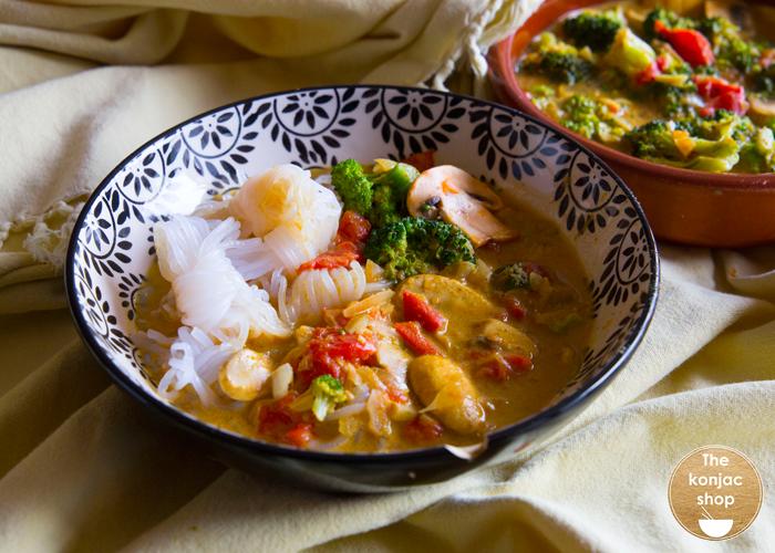 Nudos konjac con curry de leche de coco – 370kcal