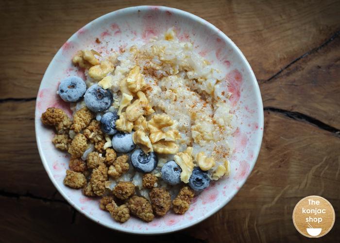 Porridge de avena y arroz konjac – 326kcal