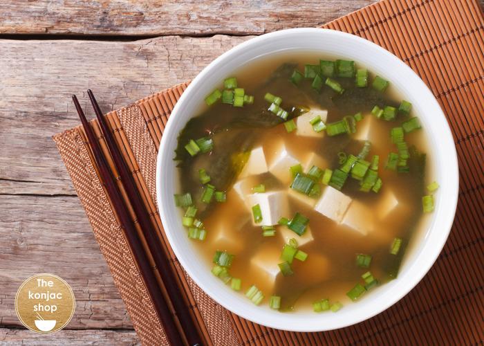 Sopa Miso con Fideos Konjac – 66kcal