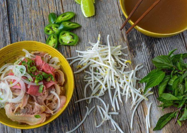 Ingredientes Básicos de la Sopa Vietnamita