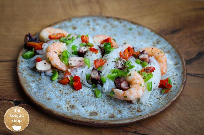 Nudos konjac con salpicón de marisco – 291kcal